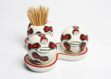 Imagem de Conjunto de Saleiro, Pimenteiro e Paliteiro de Bola de Futebol – Modelo 2