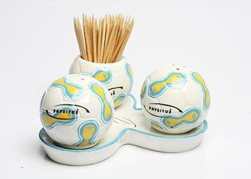 Imagem de Conjunto de Saleiro, Pimenteiro e Paliteiro de Bola de Futebol – Modelo 5
